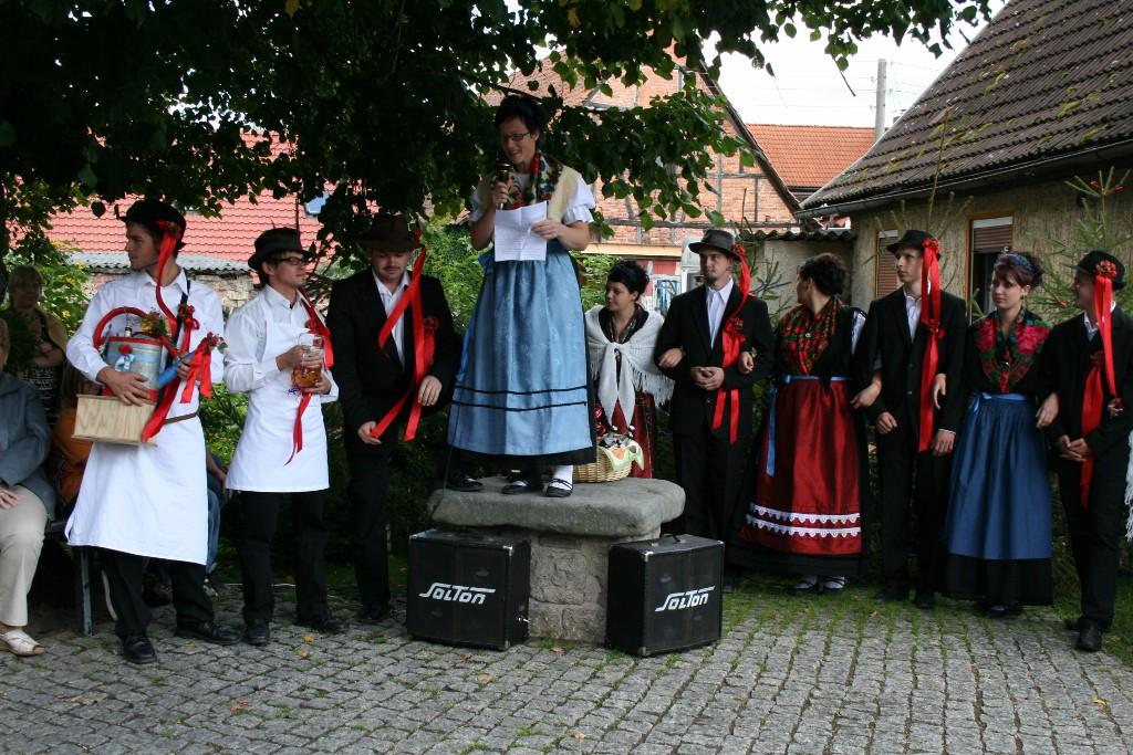 http://kirmes.wallrabs.de/wp-content/gallery/2010/spruechle/IMG_1853-1024x683.jpg